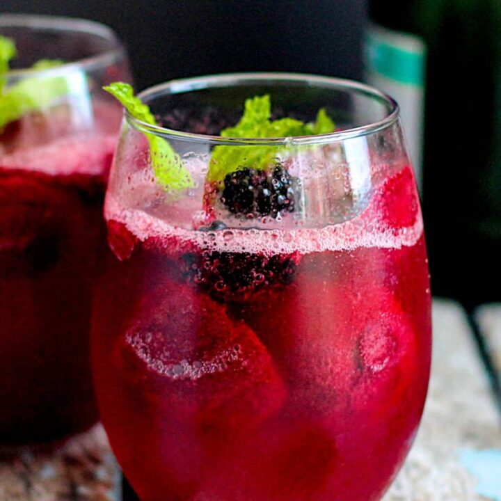Blackberry Champagne Floats   A Nerd Cooks
