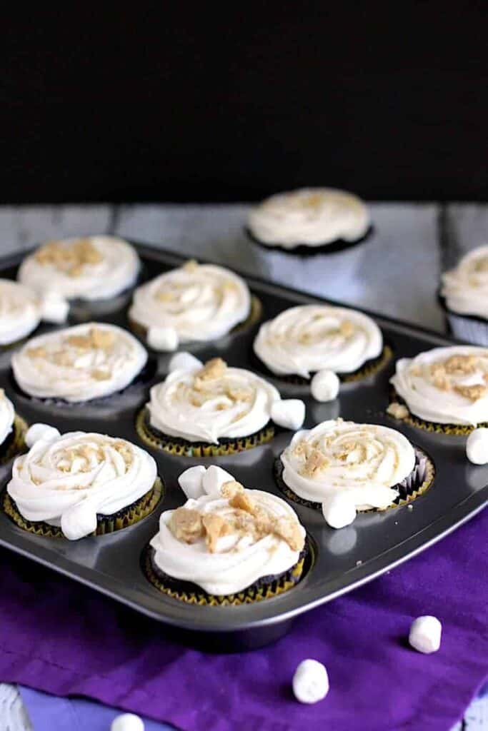 S'Mores Cupcakes | A Nerd Cooks