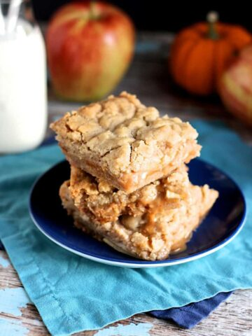 Salted Caramel Apple Pie Bars | A Nerd Cooks