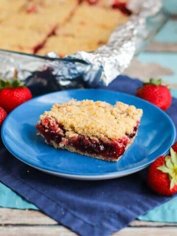 Strawberry Crumb Bars | A Nerd Cooks