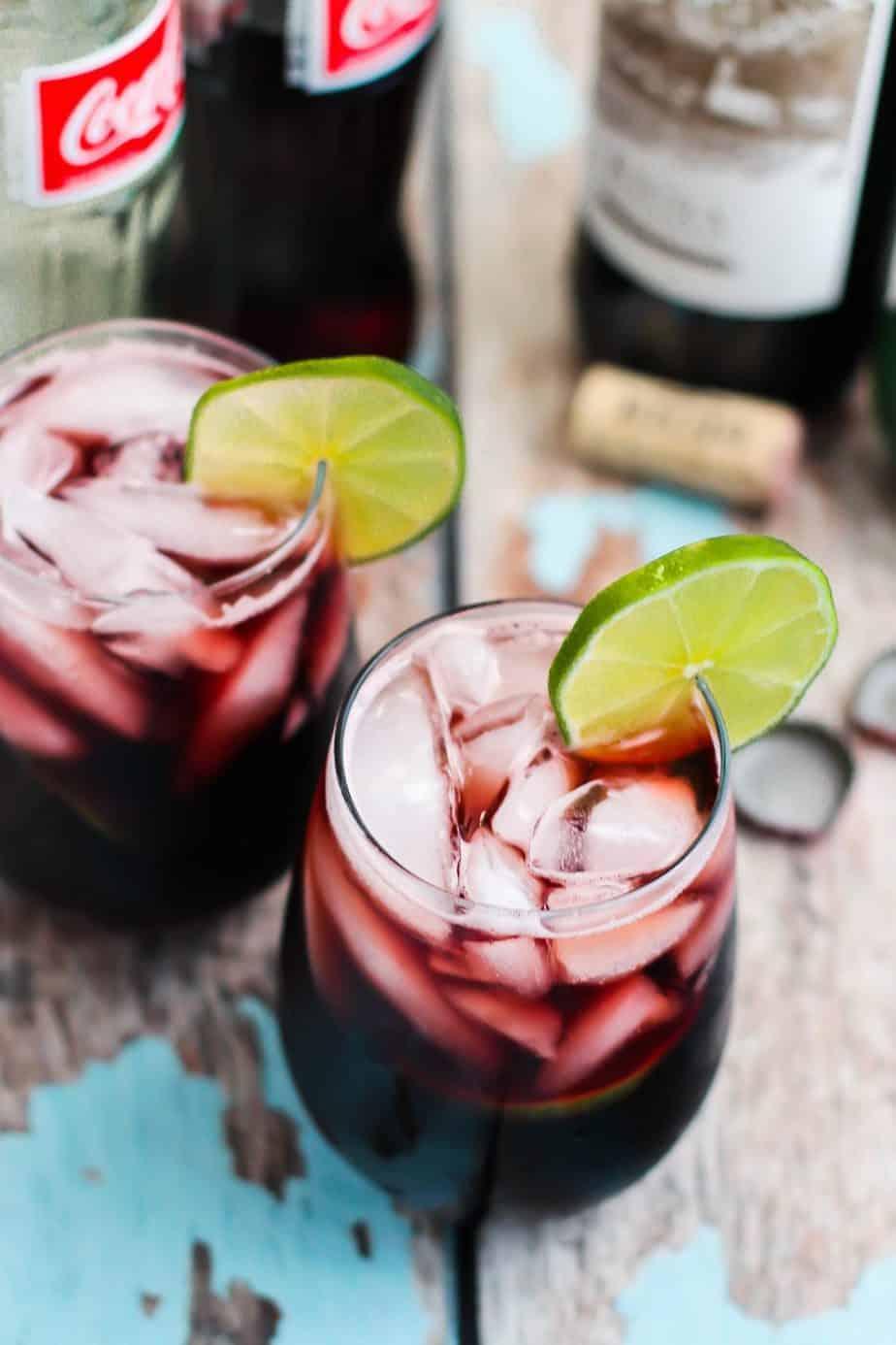Kalimotxo Cocktail | A Nerd Cooks