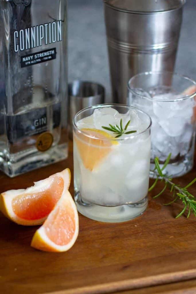 Grapefruit Rosemary Gimlet | A Nerd Cooks